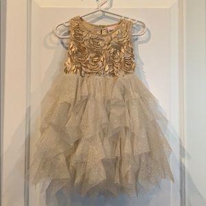 Baby girl gold n beautiful dress